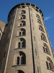 The round tower (Rundetårn) is 36 metres tall.